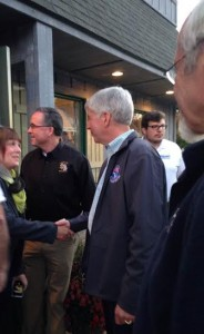 Governor stops in Hart