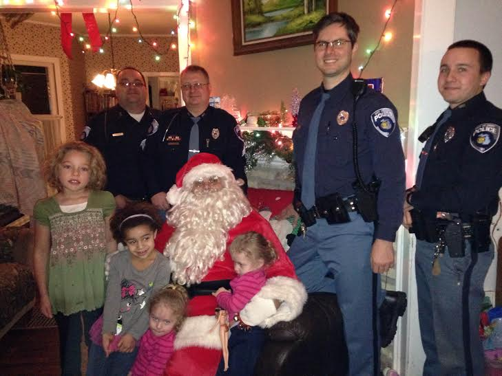 Hart PD spreads Christmas cheer